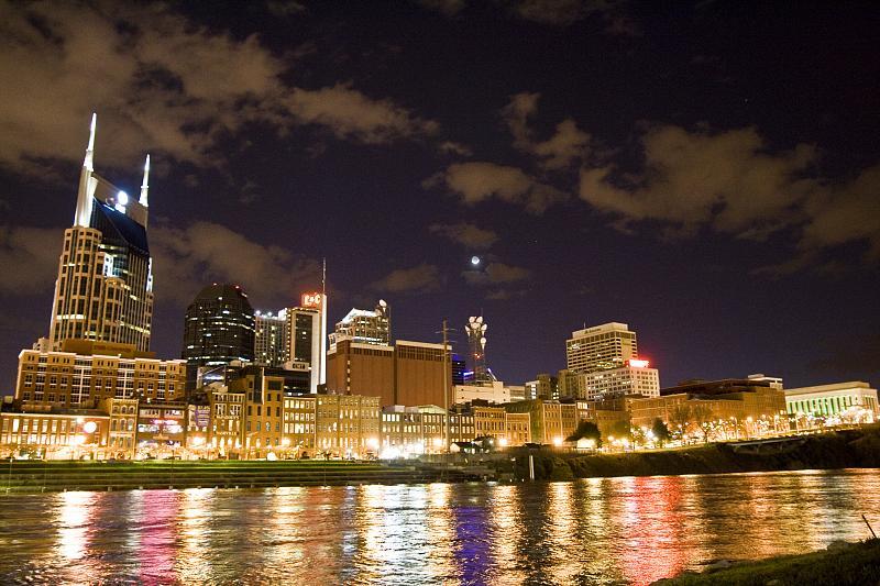 Nashville_skyline_before_earth_hour